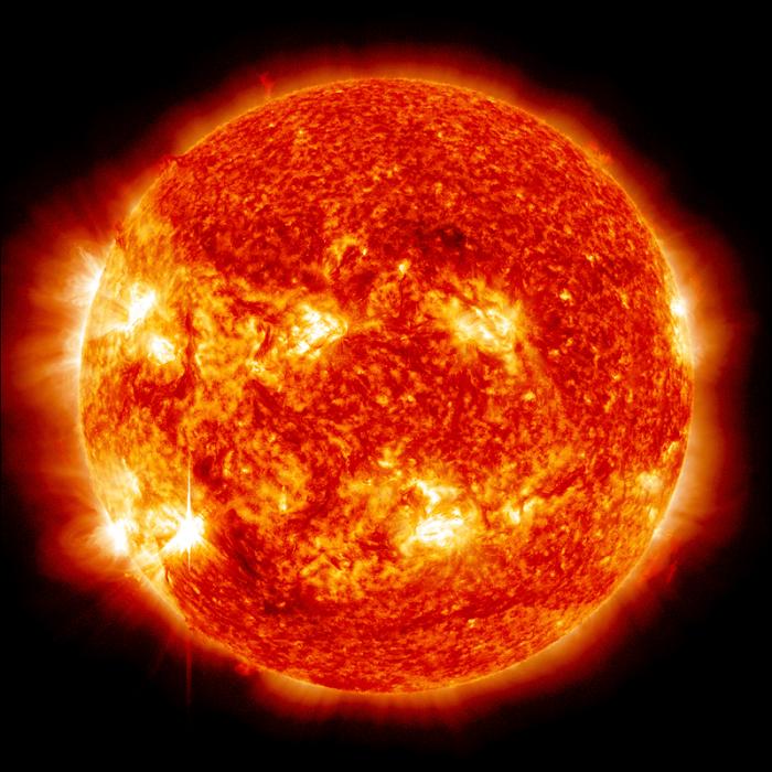 Słońce jako żółty karzeł stanowi centralny punkt Układu Słonecznego.