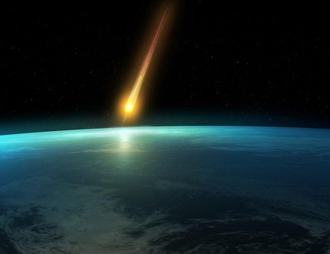 Prawdopodobnie artystyczna wizja meteorytu spadającego na Ziemię. Widoczny jest charakterystyczny rozbłysk palącego się w atmosferze pyłu i gazu. Fot. pogoda-w-polsce.blogspot.com.
