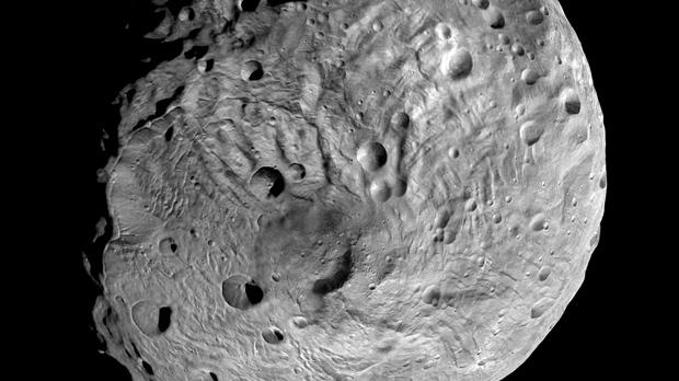 Asteroida Ceres, fotografia planetoidy w znacznym zbliżeniu
