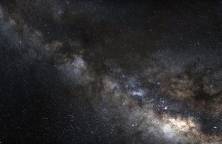 Co możemy zaobserwować za pomocą teleskopu astronomicznego?