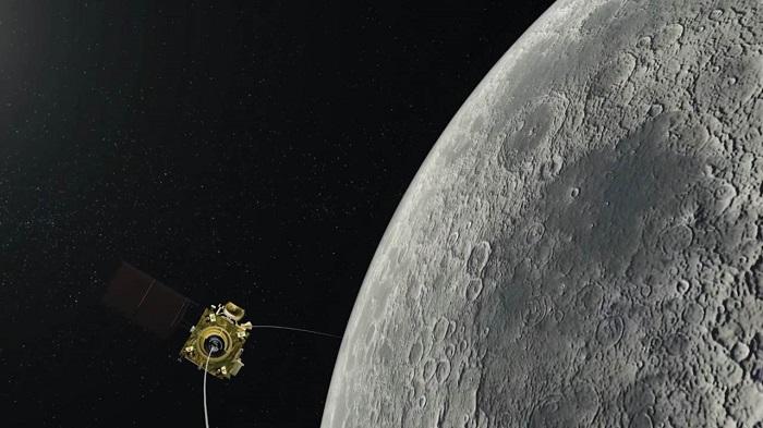 Sonda Chandrayaan 2 na orbicie Księżyca. Ilustracja pochodzi z serwisu firstpost.com.