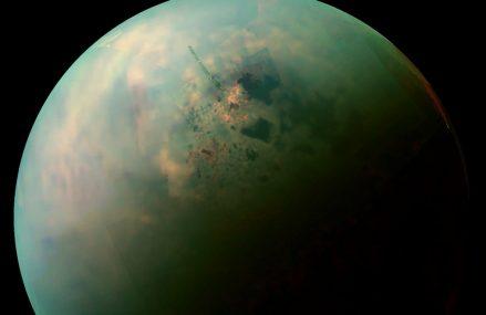 Tytan, największy księżyc Saturna