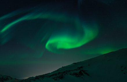 Zorza polarna – co o niej wiemy? Gdzie możemy ją zaobserwować?