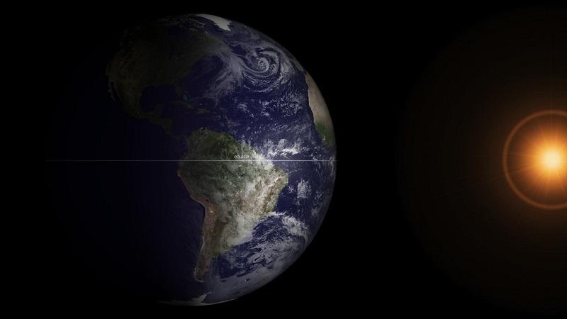 Równonoc wiosenna widoczna z przestrzeni kosmicznej. Fotografia: staticflickr.com.