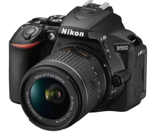lustrzanka cyfrowa Nikon D5600 z ruchomym ekranem dotykowym