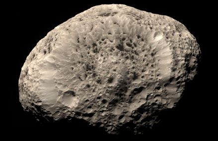 Hyperion – nieregularny księżyc Saturna