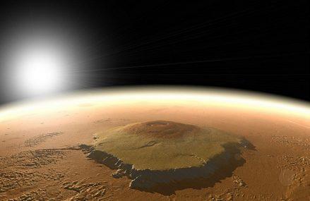 Najwyższe wzniesienia na Czerwonej Planecie. Nie tylko Olympus Mons imponuje.