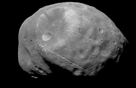 Fobos, jeden z księżyców Marsa