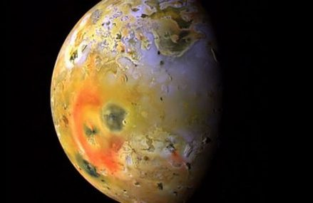 Księżyc Io – co wiemy o tym naturalnym satelicie Jowisza?