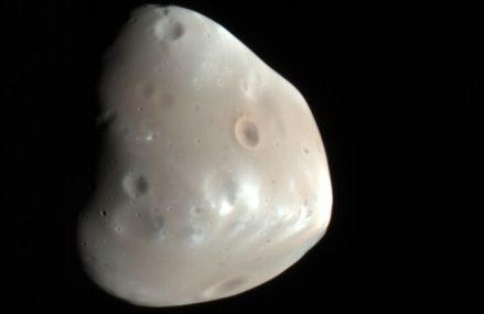 Deimos, drugi z naturalnych satelitów Czerwonej Planety