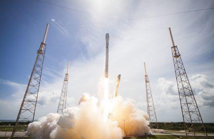 Falcon 9 wystartował, Starship SN4 nie przetrwał testu