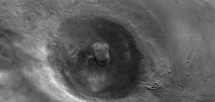 Ascraeus Mons, drugi pod względem wysokości wulkan na Marsie. Fotografia: nasa.gov.