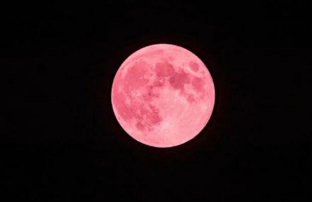 Pełnia Truskawkowego Księżyca już dziś! 5 czerwca to także czas półcieniowego zaćmienia