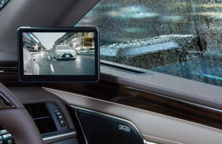 Dobra kamera samochodowa, czyli jaka? Poznajmy najważniejsze kryteria zakupowe wideorejestratorów