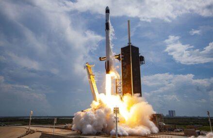 Rakieta Falcon 9 – historia jej powstania oraz planowane loty