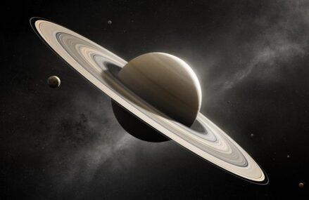 Pory roku i zmiany na Saturnie. Kosmiczny Teleskop Hubble'a dostarczycielem danych