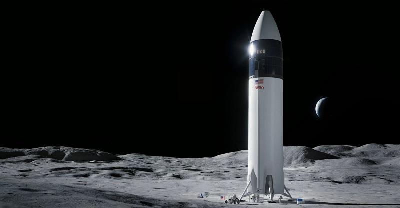 Rakieta Starship SN15 na powierzchni Księżyca [wizualizacja]. Docelowo statki tego typu mają być przeznaczone w najbliższym czasie do wcielenia w życie intensywniejszej eksploracji Srebrnego Globu. Fotografia: observer.com.