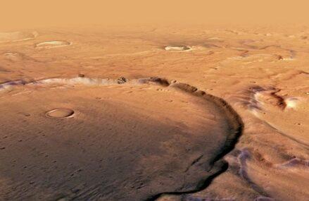 Duża aktywność geologiczna na powierzchni Marsa i jej możliwy wpływ na kształtowanie klimatu